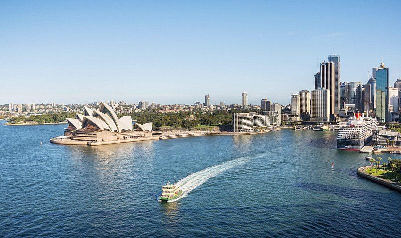 Boat in harbour, Sydney, Australia