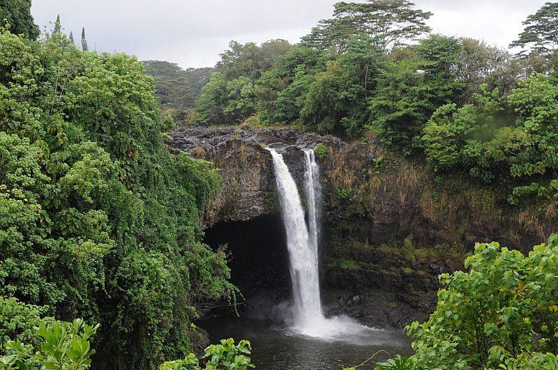 Rainbow falls waterfall, Hilo, Hawaii
