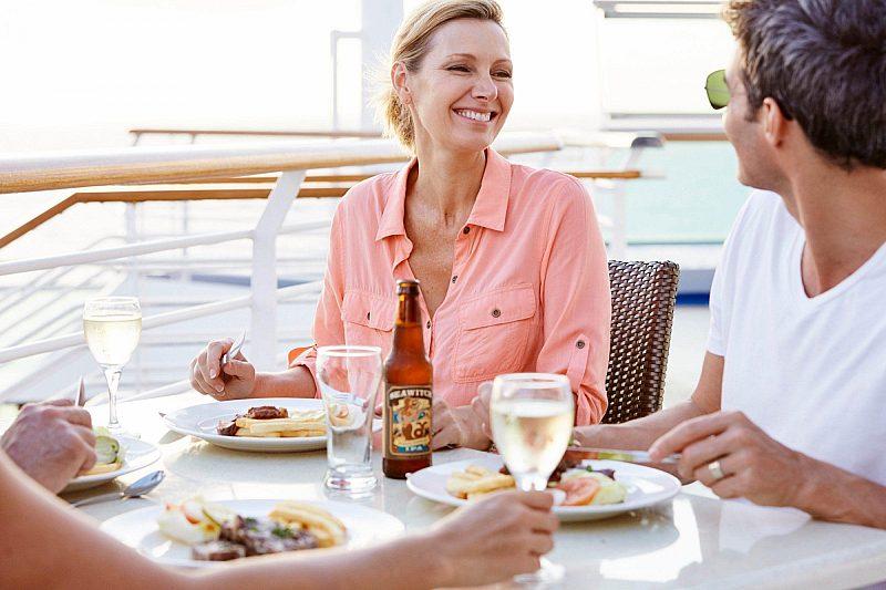 Al fresco dining onboard