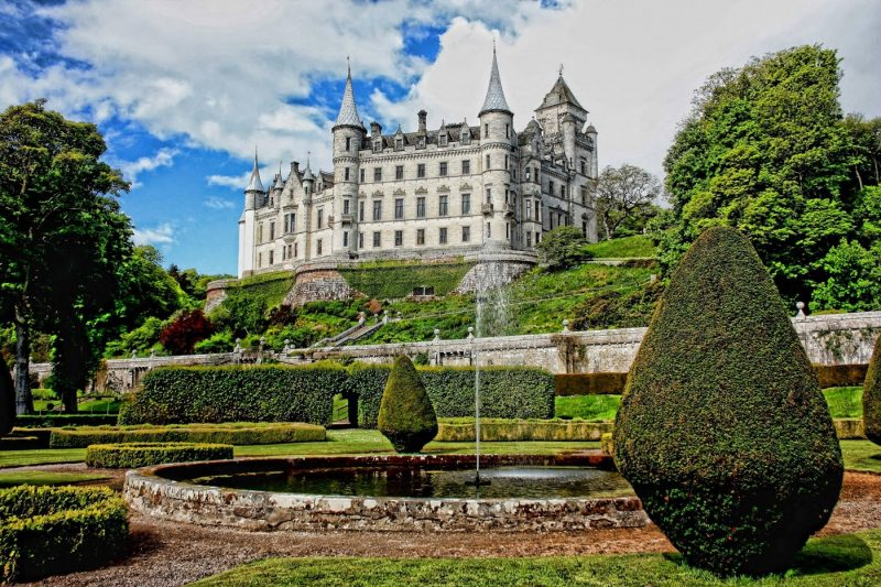 Dunrobin Castle and grounds