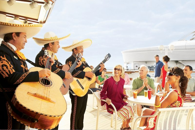 Mariachi-band performs to family on cruise ship