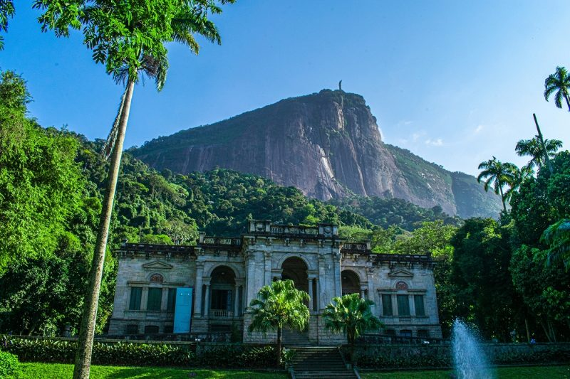 Parque Lage comes with verdant scenery, a café and views of Christ the Reedemer