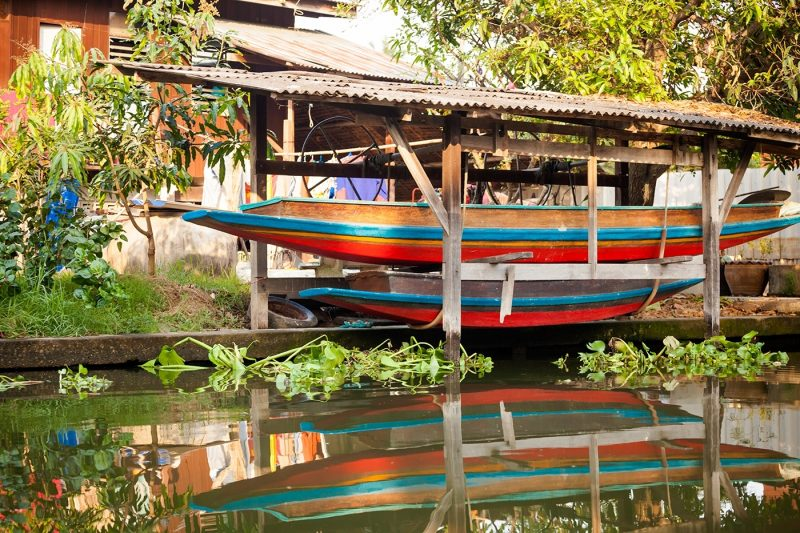 Bangkok thonburi klongs - exploring the canals on a long-tail boat