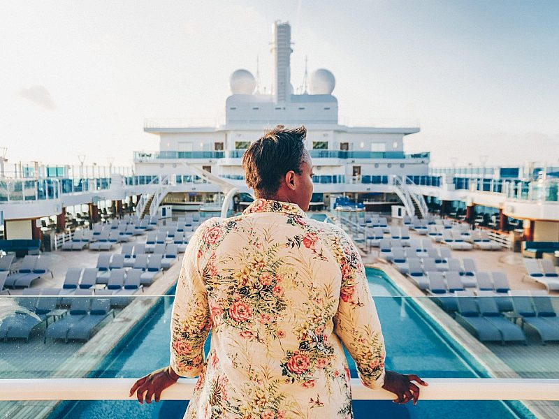 Blogger Julianna Barnaby overlooks the main pool deck of Sky Princess