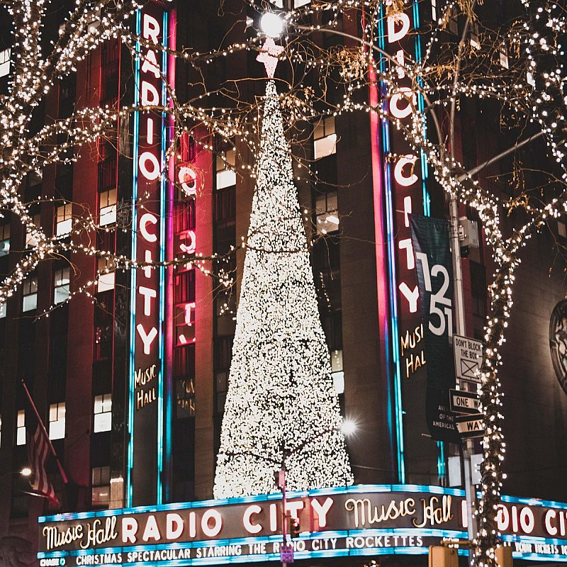 Radio City Christmas Liam Macleod Unsplash