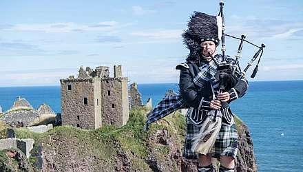Bagpipe Dunnottar Castle Stonehaven Scotland