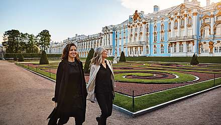 Two women walking in St Petersburg