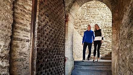 Couple exploring Tallinn